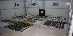 Diyarbakır'da sığınakta plastik patlayıcı ve çok sayıda silah ele geçirildi