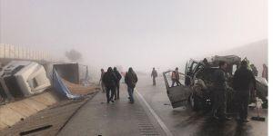 Kastamonu'da tır ile panelvan çarpıştı: 3 ölü, 2 yaralı