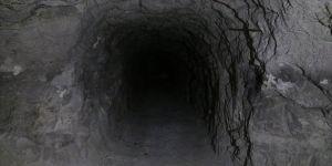 Barış Pınarı Harekatı bölgesinde teröristlerce açılan tüneller kapatılıyor