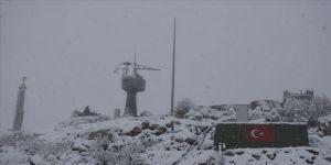 Şırnak'ta sınır birliklerine paratoner sistemi kuruldu