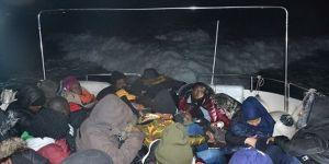 Balıkesir'de 65 düzensiz göçmen yakalandı