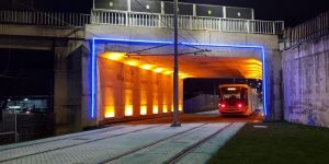Plajyolu tramvay geçidi ışıl ışıl oldu
