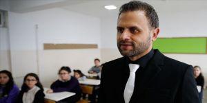 Çocuklara sanatla dokundu 'Türkiye'nin ilham veren öğretmeni' seçildi