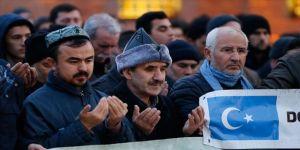 Hacı Bayram'da eller Doğu Türkistan için duaya açıldı