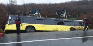 İETT otobüsü şarampole devrildi: 1'i ağır 12 yaralı