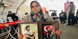 Diyarbakır annelerinden Çiftçi: Bir çocuğumu okuldan alarak dağa kaçırdılar bir çocuğumu da şehit ettiler