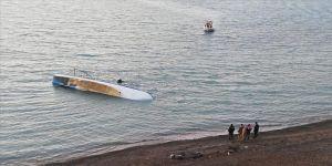 Van Gölü'nde göçmenleri taşıyan teknenin alabora olmasıyla ilgili 5 gözaltı