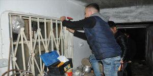 Nevşehir'de lise öğrencileri ihtiyaç sahibi ailenin evini yeniledi
