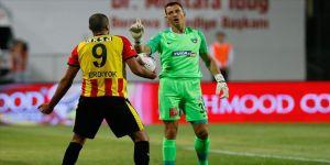 Yukatel Denizlispor'un vazgeçilmezi Adam Stackhowiak