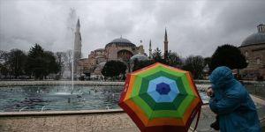 İstanbul'da yağmur aralıklarla devam edecek