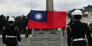 Tayvan'da Genelkurmay Başkanı'nın içinde olduğu helikopter düştü