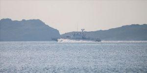 İzmir'de Sahil Güvenlik botu ile düzensiz göçmenleri taşıyan bot çarpıştı: 4 ölü, 1 kayıp