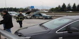 Zincirleme Kaza ! 3 Kişi Yaralandı