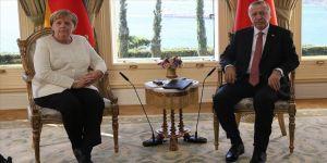 Cumhurbaşkanı Erdoğan ile Almanya Merkel telefonda görüştü