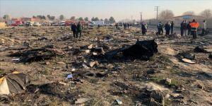 İran'dan 'yolcu uçağı füzeyle düşürüldü' iddiasına yalanlama