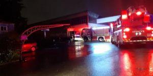 Gebze'de,ÇBS boya fabrika sahasında yangın