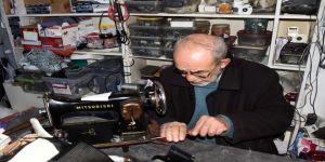 İhsan usta 50 yıldır dikiş makinelerine 'hayat' veriyor