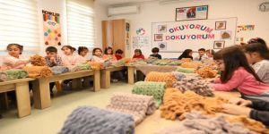 Çayırova'dan Diyarbakır annelerine atkı