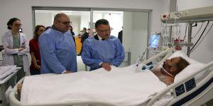 Cumhurbaşkanı Yardımcısı Oktay'dan Somali'deki bombalı saldırıda yaralananlara ziyaret