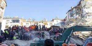 Depremde yaralanan vatandaşlar 'deprem anını' anlattı: Polisler, AFAD, özel harekatçılar bizi iğne deliğinden çıkardı