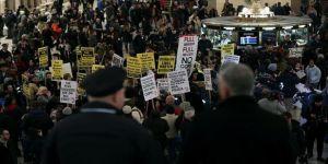 New York'ta 'pahalı' ulaşım ücretleri protesto edildi