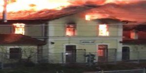 Tren Garı Binasında Yangın Çıktı