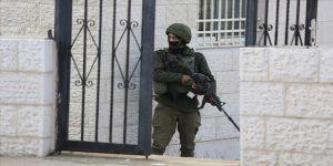 İsrail askerlerinin yaraladığı Filistin polisi şehit oldu