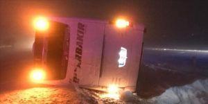 Nevşehir'de yolcu otobüsü devrildi: 22 yaralı