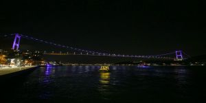 Fatih Sultan Mehmet Köprüsü 'Dünya Epilepsi Günü'nde mora büründü