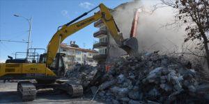 Malatya Valiliği: 6 bin 56 konutun ağır hasarlı