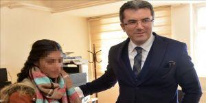 Teröristlerin dağa kaçırmak istediği genç kızlar Vali Memiş'in girişimleriyle kurtarıldı