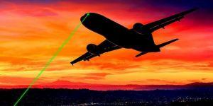 Pilotlar ile hava trafik kontrolörleri uçuş güvenliğini tehdit eden lazerlerden şikayetçi
