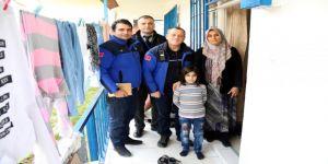 Büyükşehir Gebze Hizmet Binası'nda,Suriyeli vatandaşın cüzdanını güvenlik görevlisi buldu
