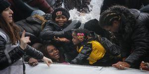 Düzensiz göçmenlerin Midilli'ye geçişleri devam ediyor