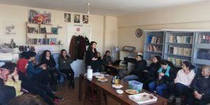 TKP Gebze,Kadınlar Hem Ev Hem de İş Yerlerinde Şiddete Maruz Kalıyor