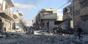 Esed rejimi ve Rusya'dan İdlib'deki sivil yerleşimlere saldırı: 12 ölü