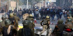 Cammu Keşmir'deki çatışmalar eğitime zarar veriyor
