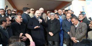 İçişleri Bakanı Soylu deprem bölgesinde incelemelerde bulundu