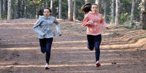 İkizlerin tatlı rekabeti atletizm pistlerinde başarıyı getirdi