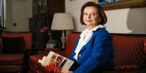 Türkiye'nin ilk kadın valisinden hemcinslerine 'çalışmaya devam' mesajı