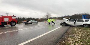 Otomobil ve jip çarpıştı ! 1 ölü, 2 yaralı