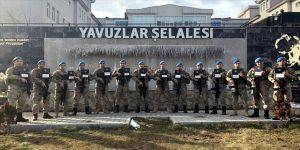 Mehmetçik anaokulu öğrencilerini üniformalı fotoğraflarıyla sevindirdi