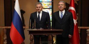 Milli Savunma Bakanı Akar ile Rusya Savunma Bakanı Şoygu telefonda görüştü