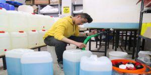 Meslek lisesi öğrencileri dezenfektan mesaisinde