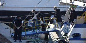 Yunanistan'dan feribotla Bodrum'a getirilen yolcular sağlık kontrolünden geçirildi