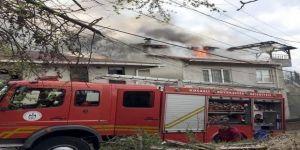 Karamürsel'de çatı yangını