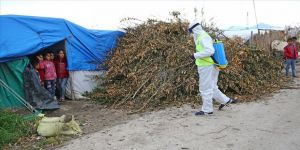 Tarım işçilerinin 'çadır kentinde' koronavirüs tedbirleri