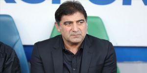 Çaykur Rizespor Teknik Direktörü Ünal Karaman'dan 'evde kal' çağrısı