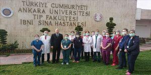 Ankara Üniversitesi hekimleri ile sağlık çalışanlarından 'evde kal' çağrısı