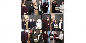 Gebzeli muhabirlere maske ve dezenfektan desteği